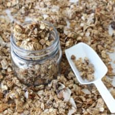 Healthy Homemade Granola- can be made with or without nuts and is an easy on the go breakfast. #granola #allergyfree #homemadegranola #nutfree frostingandfettuccine.com