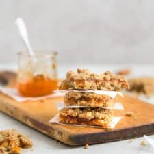 Apricot bars with oatmeal crumble